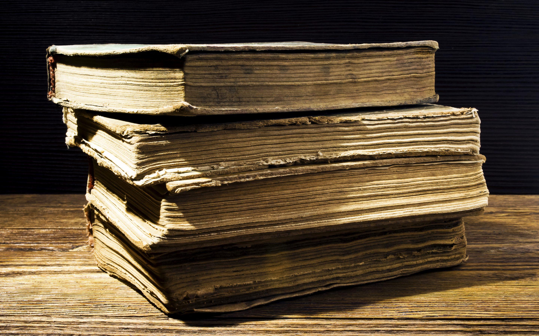Die belangrikste rede waarom premillennialisme (ook genoem: chiliasme) geglo moet word is omdat die Bybel dit leer. Vandag is die fokus op die eerste 230 jaar nádat die boek Openbaring geskryf is, d.w.s. tot vóór 325 n.C. Wat het bekende gelowiges wat in 95 n.C. tot 325 n.C. geleef het oor die millennium geglo? Waarom is dit belangrik om dit te weet? https://faithequip.co.za